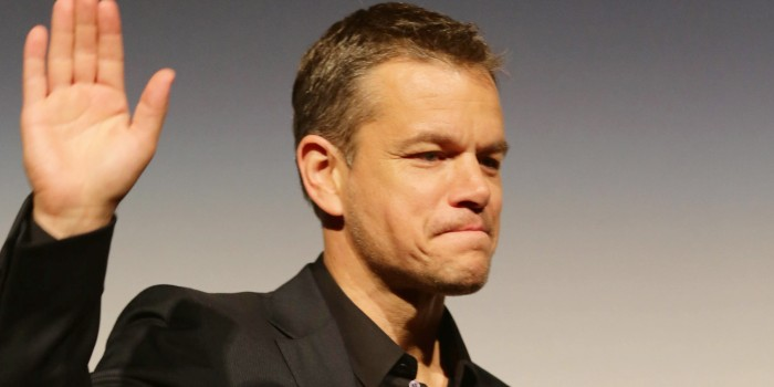 Who wants to see Matt Damonnaked?